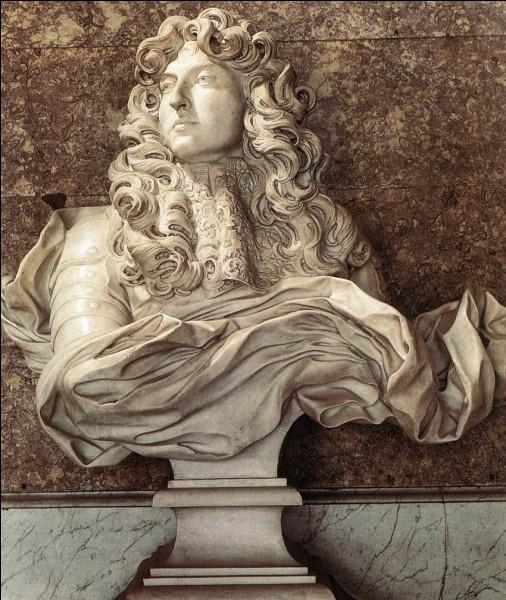 À Versailles, dans le Grand Appartement, dans le salon de Diane, on peut voir un magnifique buste de Louis XIV. Par qui a-t-il été sculpté ?