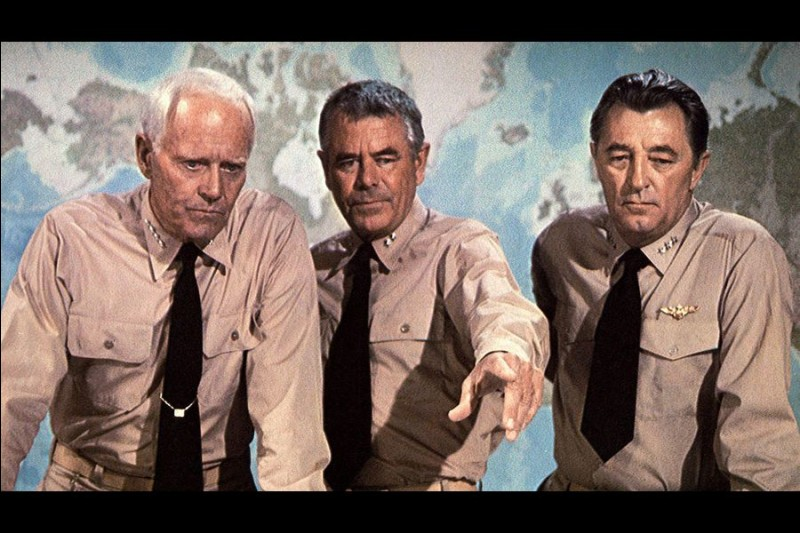 Dans la bataille de Midway, quel militaire américain est incarné par Henri Fonda ?