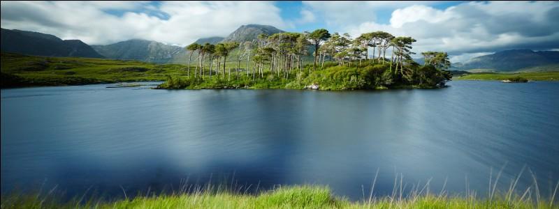 Où sont les lacs du Connemaras ?