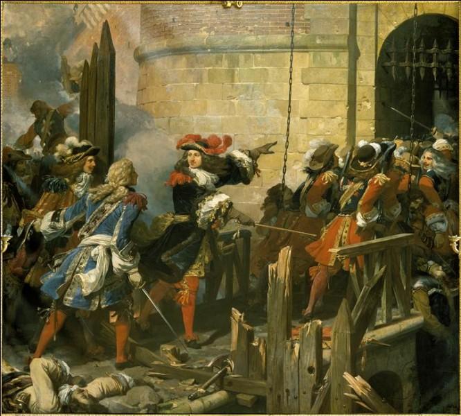 Cette place-forte connait deux sièges par l'armée française : en 1656 face aux Espagnols puis en 1677 contre l'Empire, ce dernier sous les yeux de Louis XIV. De quelle ville s'agit-il ?