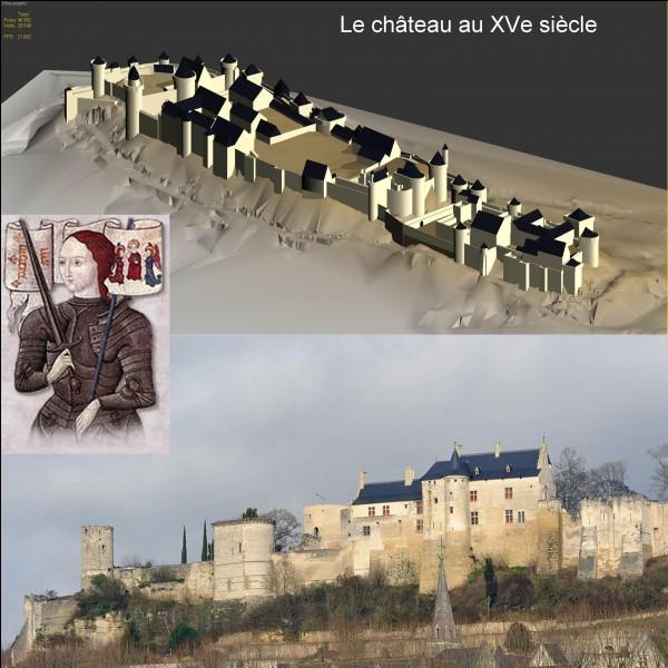 « L'élection divine » de cette personnalité sera reconnue dans ce château. Grâce à cette personne, le roi de France non-sacré pourra commencer à reconquérir son royaume. A l'origine, ce château appartenait à son ennemi !Où sommes-nous ?