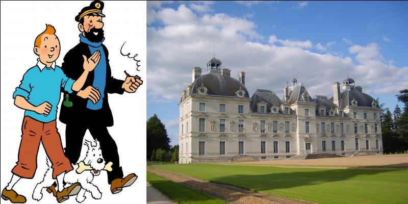 Dans le « monde fictif », ce château a été le lieu où une célèbre cantatrice s'est fait voler ses bijoux ! Par contre, dans la réalité, ce château sera le précurseur d'un style que Louis XIV appréciera !Quel est ce château ?