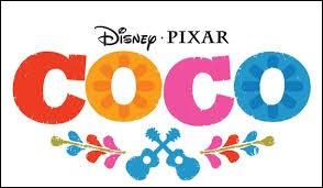 """Dans le dessin animé Disney """"Coco"""", de quelle couleur sont les pétales des fleurs disposées sur le sol pour permettre aux ancêtres de se déplacer ?"""