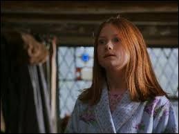Comment réagit Ginny quand elle voit Harry Potter pour la première fois ?