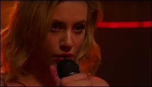 Dans la saison 2, épisode 8, comment s'appelle la chanson qu'Archie et Véronica, puis Betty chantent en karaoké ?