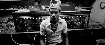 Quand il est question de swinguer sur une musique électronique inspirée du reggae !