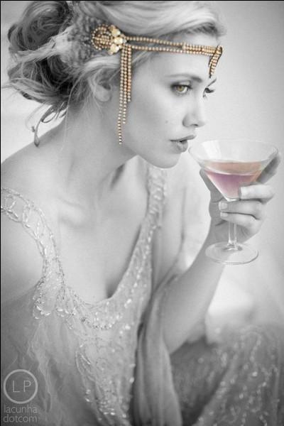 """De quel côté buvait-on le """"petit vin blanc"""", sous la tonnelle ?"""