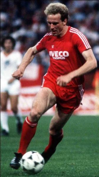 Quelle est la particularité du podium de 1981, année où Karl-Heinz Rummenigge reçoit le ballon d'or ?