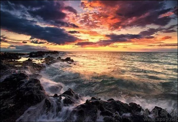 Parmi ces mers, laquelle ne fait pas partie d'un océan ?
