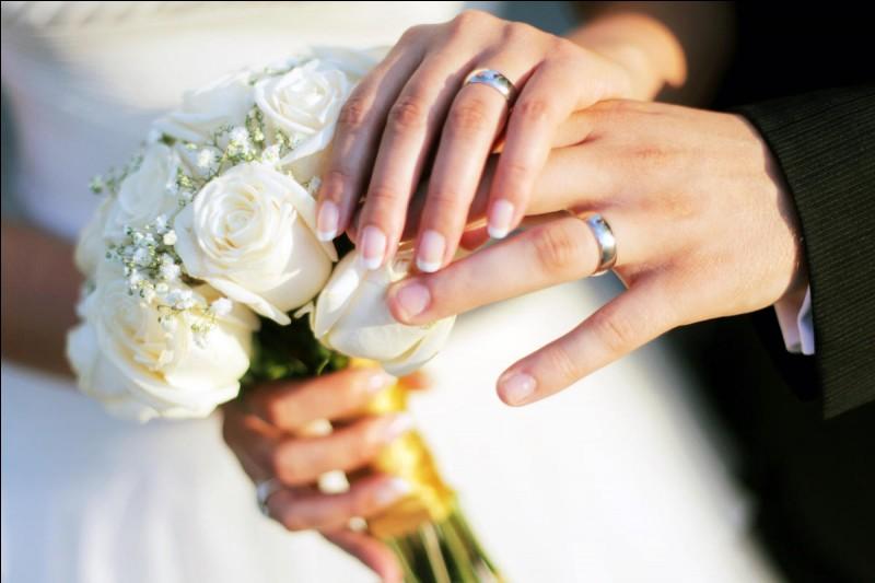 Pourquoi porte-t-on la bague de mariage à l'annulaire de la main gauche ?