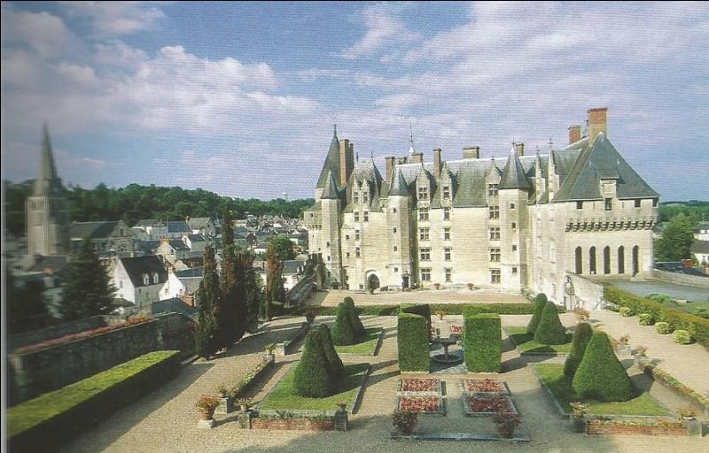Ce château d'Indre-et-Loire est ...