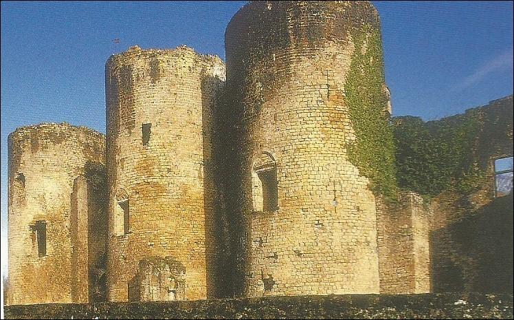 Chantier a commencé en 1305, c'est ...