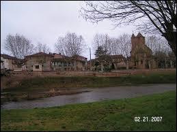 Commune Ariégeoise, dans le massif du Plantaurel, Daumazan-sur-Arize se situe en région ...