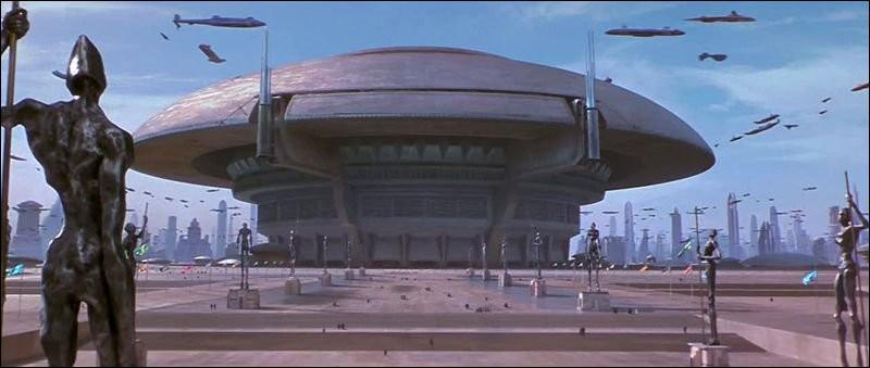 Quel est le diamètre du bâtiment du Sénat Galactique ?