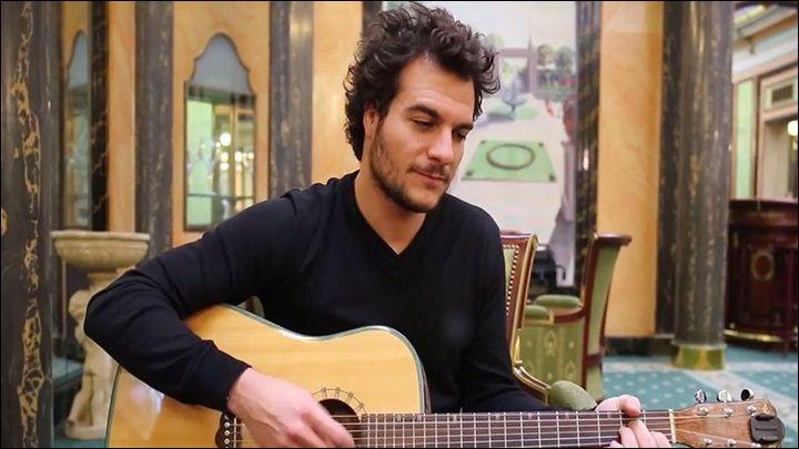 """A - """"Amir"""" a représenté la France à l'Eurovision 2016."""