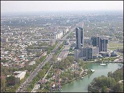 Capitale de l'Ouzbékistan, cette ville de 2,7 millions d'habitants signifie en turk 'citadelle de pierre'.