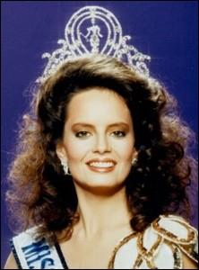 Cecilia Bolocco est la 36ème Miss Univers élue en 1987, quel pays représentait-elle ?