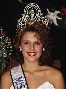 Mona Grudt est la 39ème Miss Univers élue en 1990, quel pays représentait-elle ?