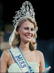 Anne Marie Pohtamo est la 24ème Miss Univers élue en 1975, quel pays représentait-elle ?