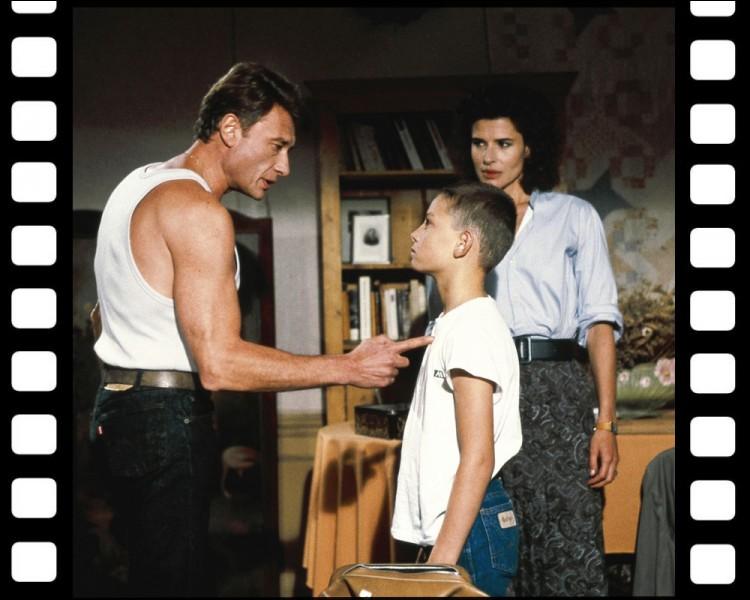 """Profession lucrative mais combien dangereuse. Quel métier exerce Johnny dans """" Conseil de famille """", film réalisé par Costa-Gavras en 1985 ?"""