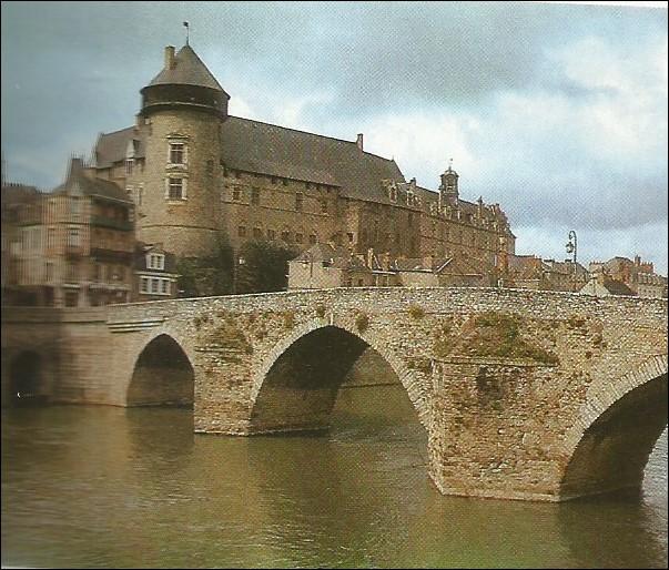 La ville de ce château est un palindrome.