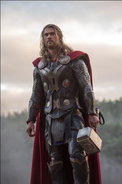 Quel acteur joue le rôle de Thor?