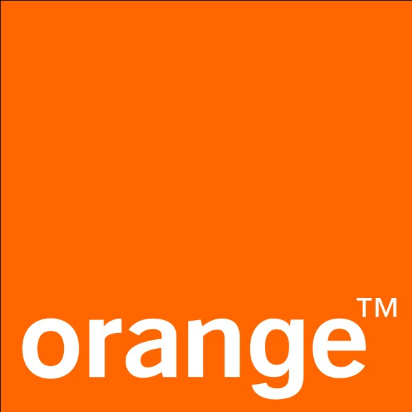 """""""Orange"""" est une marque fabriquant des chaussettes."""