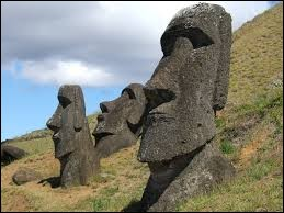 Sur quelle île trouve-t-on ces statues ?