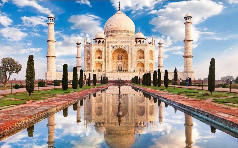 Le Tāj Mahal est l'un des nombreux joyaux de l'architecture musulmane.