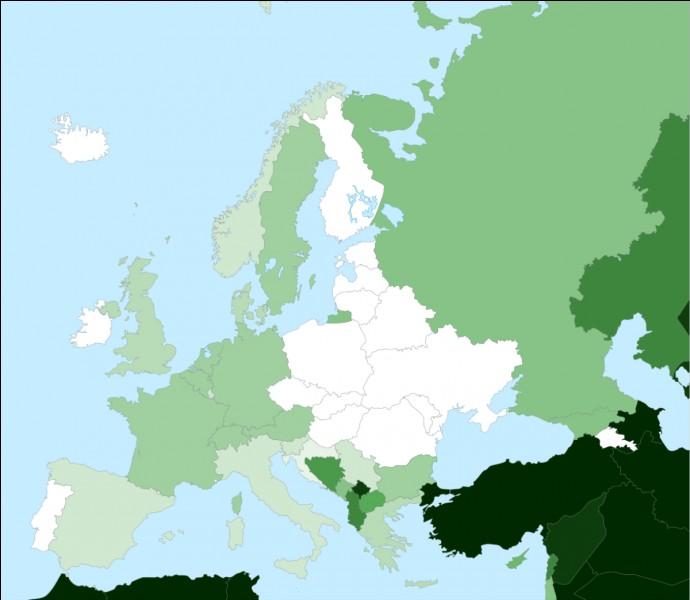 En Europe, il n'existe que trois pays reconnus internationalement qui sont à majorité musulmane.