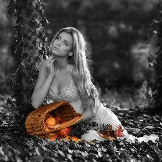 Dans une chanson de Dassin, c'était l'automne, un automne où il faisait beau, dans sa robe longue, elle ressemblait à une aquarelle. De quelle artiste peintre ?
