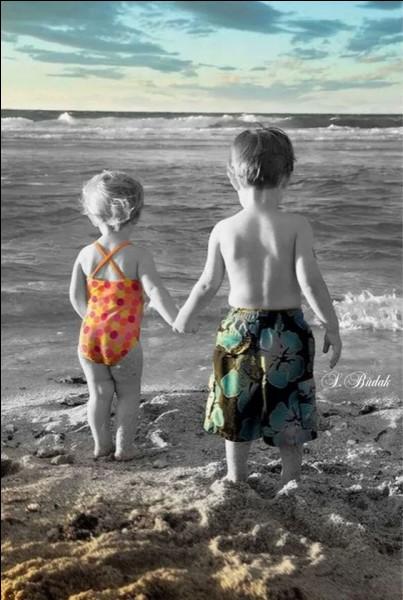 """Qui chantait """"Chez nous c'était pas la misère, l'été on allait voir la mer"""" ?"""