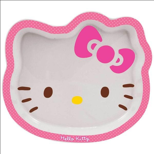 Quel accessoire porte Hello Kitty ?