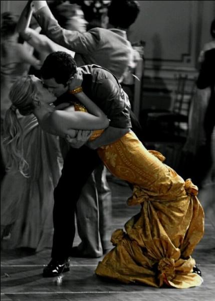 """Qui chantait """"Le tango corse, c'est de la sieste organisée, on se déplace pour être sûr qu'on ne dort pas, on se prélasse, le tango corse c'est comme ça"""" ?"""