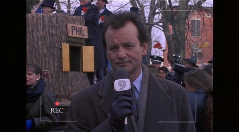 Voici Bill Murray au micro, et les indices du fond de la photo devraient vous aider à trouver son métier dans ce film à succès ?