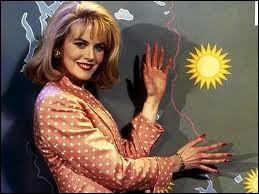 Dans le film Prête à tout, Nicole Kidman est très ambitieuse. Voici l'un de ses métiers. Quel est-il ?