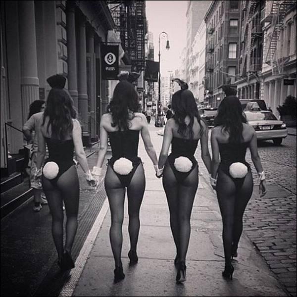 Cette photo a été prise à Chicago qui est le lieu où tout a commencé pour l'Empire Heffner. Quel est le métier de ces jeunes femmes ?