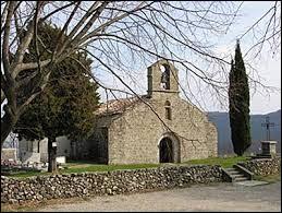 Vous avez sur cette image l'église Saint-Julien de Pourchères. Commune d'Auvergne-Rhône-Alpes, dans l'arrondissement de Privas, elle se trouve dans le département ...
