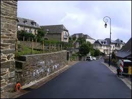 Saint-Hippolyte est un village de l'ancienne région Midi-Pyrénées, situé dans le département ...