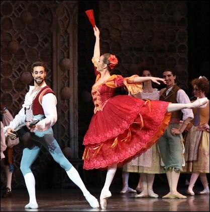 Don Quichotte est aussi un ballet représenté pour la première fois au Théâtre Bolchoï de Moscou le 14 décembre 1869. La musique est de Léon Minkus et la chorégraphie du célèbre ...