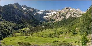 Comment appelle-t-on le versant nord d'une montagne ?