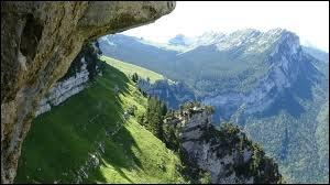 Dans quelle région se trouve le massif de la Chartreuse ?