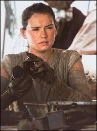 Quand voit-on pour la première fois Rey ?