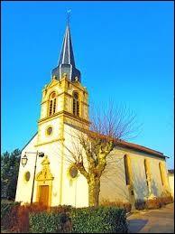 Voici l'église Saint-Clément de Pagny-lès-Goin. Commune de l'ancienne région Lorraine, elle se trouve dans le département ...