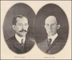 Que font les frères Wright en 1903 ?