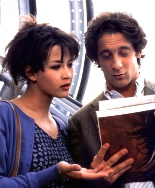 """""""- C'est qui Crêpe ? - c'est notre femme de ménage, elle s'appelle Suzette."""" Dans quel film Valentine donne-t-elle cette réplique à une colocataire ?"""