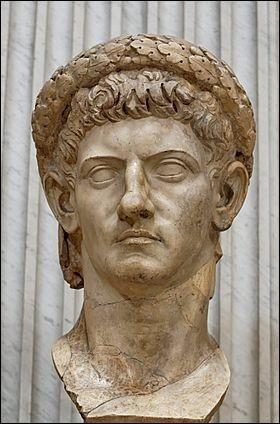 Lequel de ces évènements ne s'est pas déroulé sous le règne de Claude (41-54) ?
