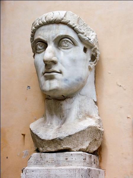 La liberté de culte est accordée aux chrétiens en 313 par l'empereur Constantin et son homologue Licinius. Quel est l'édit qui accorde ce privilège ?