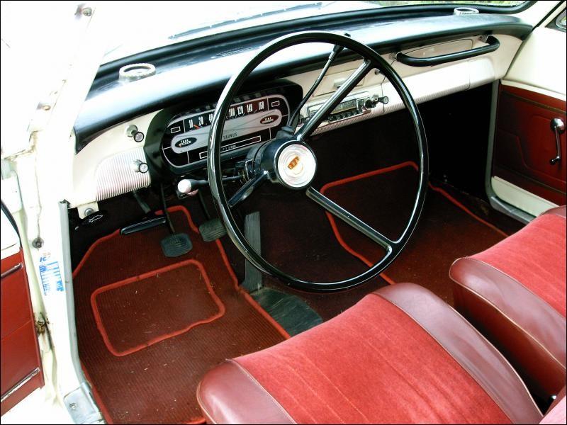 C'est celui d'une Ford Taunus ...