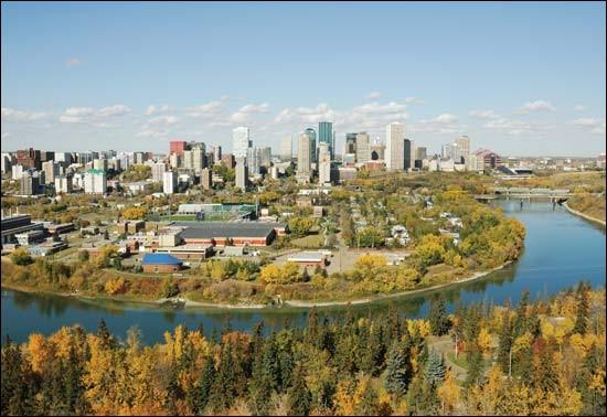 Dans quel pays coule la rivière Saskatchewan ?